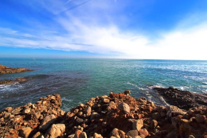 Felsenküste in Spanien
