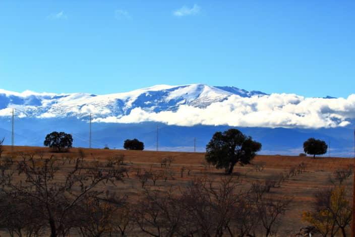 Spaniens Hinterland Berg mit Schnee