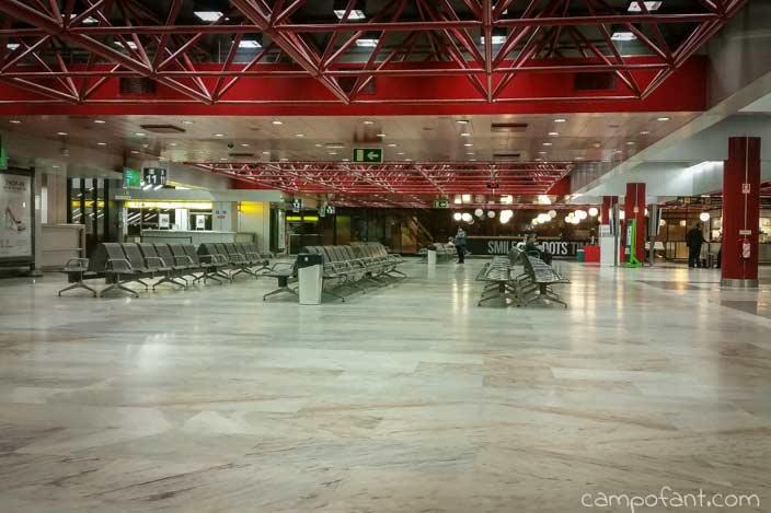 Abflughalle
