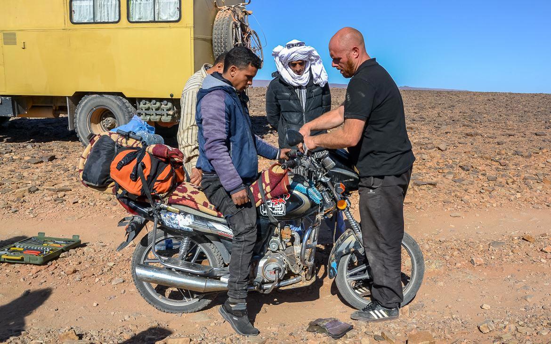 Motorrad reparieren