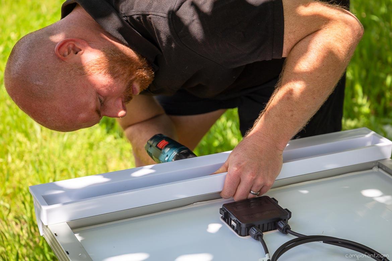 Solaranlage montieren Haltespoiler anbringen