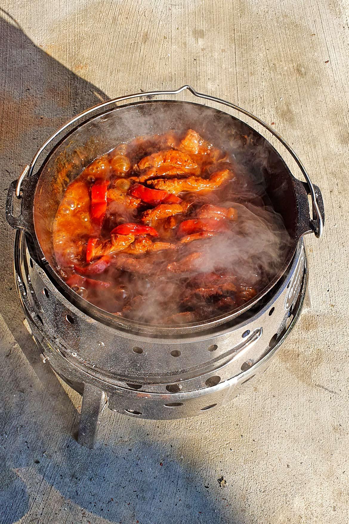 Petromax Atago Feuertopf Schichtfleisch