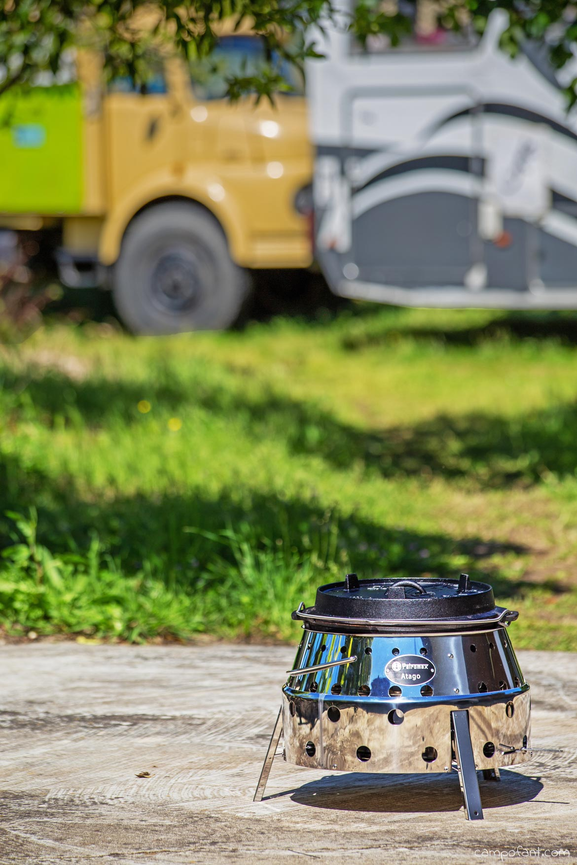 Petromax Atago mit Feuertopf
